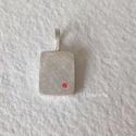 Piros pöttyös ezüst medál , 2 mm vastagságú ezüst medál, csiszolt felület...