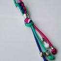 4 színű kulcstartó, Mindenmás, Kulcstartó, Kék - türkiz - fehér - rózsaszín paracord zsinórból készült kulcstartó fém díszekkel, mi..., Meska