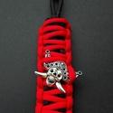 Kalózos kulcstartó, Mindenmás, Kulcstartó, Fekete - piros színű, king - cobra mintával készült paracord kulcstartó kalóz medállal. Szé..., Meska