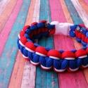Franciaország szurkolói karkötő, Ékszer, Karkötő, Csomózás, Franciaország színeiben készült szurkolói karkötő cobra mintával. Műanyag csattal záródik., Meska