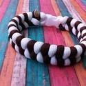 Fishtail karkötő, Ékszer, Karkötő, Csomózás, Fehér - barna színű, fishtail mintával készült paracord karkötő. Műanyag csattal záródik., Meska