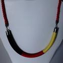 Fonal technikával készült nyakék (német zászló színei), Ékszer, Nyaklánc, Az úgynevezett  fonal technikával készítettem ezt a nyakéket. Átmérője: 1 cm Hossza: 24 cm +..., Meska
