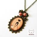 CICUSH - Macskás üveglencsés nyaklánc, Ékszer, óra, Nyaklánc, Egy cicás rajzot helyeztem üveglencse alá, bronz színű, ovális medálalapba.  A bronz színű ..., Meska