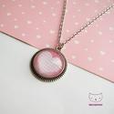 Rózsaszín kockás szíves üveglencsés nyaklánc, Ékszer, Nyaklánc, Bájos ajándék romantikus lányoknak. :)  Az üveglencse alá egy kockás szíves mintájú papír..., Meska