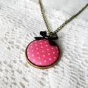 Rózsaszín-fehér pöttyös textilgomb nyaklánc, tűpöttyös gombékszer, Ékszer, Nyaklánc, Rózsaszín alapon fehér pöttyös (tűpöttyös) textilgombból készült ez a nyaklánc.  A medá..., Meska