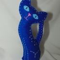 Csillagmancs - rák csillagjegy, Dekoráció, Dísz, Varrás, Húsz centiméter magas, kézzel varrott macska kék filcből, poliésztergolyócskákkal töltve. A szemeit..., Meska