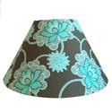 Türkiz virágmintás lámpaernyő, Otthon, lakberendezés, Lámpa, Asztali lámpa, Hangulatlámpa, Mindenmás, Türkiz virágmintás textillel bevont, kúp alakú lámpaernyő. Asztali lámpához vagy függesztékként is ..., Meska