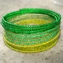 Zöld, zöldebb, még zöldebb - karkötő, Ékszer, Karkötő, 2 mm-es 3féle zöld kásagyöngyök sokasága memória karkötőn 15 sorban.   A természet tavaszi friss zöl..., Meska
