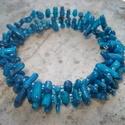 KKK - kék korall karkötő, Ékszer, Karkötő, Gyönyörű kék korall ágacskákat fűztem memória karkötőre 3 sorban. Csillogó vízkék kásagyöngyökkel em..., Meska