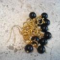 Arabesque - fülbevaló, Ékszer, Esküvő, Fülbevaló, Arany színű karikákból készített láncra szereltem fel fekete tekla üveggyöngyöket.  Teljes hossza (a..., Meska