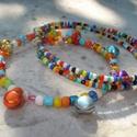 Cirkusz! karkötő szett, Ékszer, Karkötő, 2 darab színes gyöngyös karkötőből álló szett. Az egy soroson édes kis színes csengők csilingelnek. ..., Meska