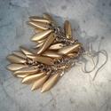 Matt arany üvegszirom - fülbevaló, Ékszer, Esküvő, Fülbevaló, 16 mm-es matt arany színű szirom üveggyöngyöket szereltem fel láncra.  A fülbevaló hossza: 6 cm.  10..., Meska