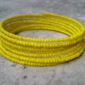 Pont ilyen színű.....élénk sárga - karkötő, Pont ilyen színű a blúzod, a nadrágod, a tásk...
