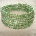 ÚJ! Ezüst és zöld karkötő , Ékszer, Esküvő, Karkötő, 15 soros memória karkötő 2 mm-es ezüst és fényes zöld színű kásagyöngyökből.  Egyszerű, szép és rend..., Meska