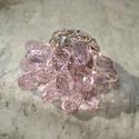 A legszebb rózsaszín - csiszolt üvegkristályos gyűrű, Ékszer, Esküvő, Gyűrű, 14 darab 14 mm-es briolett csiszolású halvány rózsaszín üvegkristályokat szereltem fel négyzet alapú..., Meska