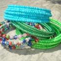 ÚJ! Tarka rét - karkötő szett (4 darabos), Ékszer, Esküvő, Karkötő, 4 darab színes karkötő szépséges színharmóniája. 3 mm-es élénk világos zöld és égszín kék kásagyöngy..., Meska