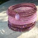 Lila  trió - karkötő szett, Ékszer, Esküvő, Karkötő, 3 darab különböző lila árnyalatú gyöngyökből fűzött karkötő szett.  1. 2 mm-es áttetsző padlizsán-li..., Meska