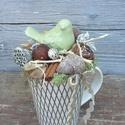 Zöld madárkás őszi asztaldísz, Dekoráció, Otthon, lakberendezés, Dísz, Asztaldísz, Virágkötés, Kerámia bögrébe készítettem asztaldíszt, tűzőhabot tettem bele, majd őszi termésekkel díszítettem, ..., Meska