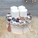 Adventbox - karácsonyi asztaldísz, Dekoráció, Otthon, lakberendezés, Ünnepi dekoráció, Karácsonyi, adventi apróságok, Virágkötés, Mindenmás, Bézs színű kartondobozba készítettem ezt az adventi asztaldíszt. Száraz tűzőhabbal béleltem, majd f..., Meska