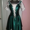 Magyaros menyecske ruha, zöld -fehér selyem., Ruha, divat, cipő, Esküvői ruha, Menyasszonyi ruha, Varrás, Nagyon szép, egyedi, elegáns zöld- selyem, két részes, füzős, magyaros menyecske, táncruha.  A szok..., Meska