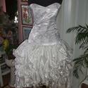 Menyasszonyi, báli, táncruha, füzős, selyem, Esküvő, Ruha, divat, cipő, Menyasszonyi ruha, Esküvői ruha, Varrás, Egyedi tervezésű és készítésü menyasszonyi, báli, táncruha. Anyaga brokát és selyem. Hátán füzős, j..., Meska