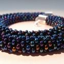 """""""Blue Jasmine"""" kék irizáló gyöngyhorgolt nyaklánc lapis lazuli gyönggyel, Ékszer, Nyaklánc, Horgolás, Gyöngyfűzés, A kék sokféle árnyalata csillan meg az ékszeren. Különleges, sejtelmes, vonzza a tekintetet. A nyak..., Meska"""