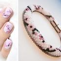 """""""Japán cseresznyevirág"""" fehér-rózsaszín virágmintás gyöngyhorgolt karkötő"""