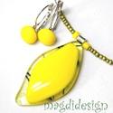 Trendi sárga üvegékszer szett, nyaklánc, kapcsos  fülbevaló, Ékszer, óra, Medál, Fülbevaló, Ékszerszett, Ékszerkészítés, Üvegművészet,  Elegáns, vagány, feltűnő, levél formájú boglárka sárga medál és kapcsos fülbevaló. Áttetsző sárga ..., Meska