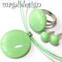 Zöldalma üvegékszer szett, nyaklánc, gyűrű, stiftes  fülbevaló, Ékszer, óra, Nyaklánc, Gyűrű, Ékszerszett, Ékszerkészítés, Üvegművészet, Halvány almazöld üveg felhasználásával készült a nyaklánc, a gyűrű, és a fülbevaló, olvasztásos tec..., Meska