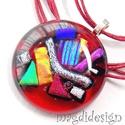 Szivárványos rubin üvegékszer nyaklánc, Ékszer, óra, Medál, Ékszerkészítés, Üvegművészet, Csillogó arany, vörös, kék, zöld, ezüst színű dichroic üveg és áttetsző rubinvörös ékszerüveg felha..., Meska