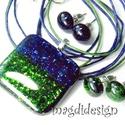 Kék, zöld csillogó aventurin üvegékszer szett, nyaklánc, 2 pár pötty fülbevaló, Ékszer, óra, Medál, Fülbevaló, Ékszerszett, Ékszerkészítés, Üvegművészet,   Csillogó kék, zöld aventurin üveg felhasználásával készült a medál és a 2 pár stiftes fülbevaló, ..., Meska