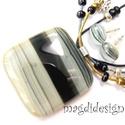Ezüstfényű aranyhomok üvegékszer szett, nyaklánc, fülbevaló , Ékszer, óra, Ékszerszett, Nyaklánc, Fülbevaló, Ékszerkészítés, Üvegművészet, Homok-fekete csík mintás üveg felhasználásával készült a medál és a fülbevaló, olvasztásos techniká..., Meska