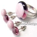 Elegáns lilás rózsaszín üvegékszer szett, gyűrű, 2 pár fülbevaló, Ékszer, Ruha, divat, cipő, Gyűrű, Fülbevaló, Ékszerkészítés, Üvegművészet, Mintás áttetsző és lilás rózsaszín ékszerüvegek felhasználásával készült a gyűrű és a két pár olvas..., Meska