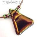 Éteri eozin moha-zöld-arany fényben üvegékszer nyaklánc, Ékszer, Medál, Nyaklánc, Ékszerkészítés, Üvegművészet, Óriási választék eozinos ékszerekből!  Elegáns, vagány, feltűnő, háromszög formájú aranyló zöld med..., Meska