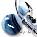 Trendi szürke üvegékszer szett, nyaklánc, gyűrű, pötty fülbevaló, Ékszer, Medál, Ékszerszett, Fülbevaló, Ékszerkészítés, Üvegművészet, Szürke-fekete mintás ékszerüveg felhasználásával készült a medál, a gyűrű és a stiftes fülbevaló, o..., Meska