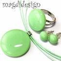 Zöldalma üvegékszer szett, nyaklánc, gyűrű, stiftes  fülbevaló
