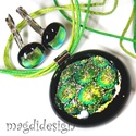 Zöld arany Dimenzió  üvegékszer szett, nyaklánc, kapcsos fülbevaló, Ékszer, Fülbevaló, Medál, Ékszerkészítés, Üvegművészet, Színjátszó dichroic ékszerüveg felhasználásával készült a medál és a kapcsos fülbevaló, olvasztásos..., Meska