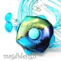 Türkiz-kék tavirózsa üvegékszer szett, nyaklánc, pötty fülbevaló, Ékszer, Medál, Fülbevaló, Ékszerkészítés, Üvegművészet, Elegáns, vagány, feltűnő, rózsa formájú türkiz-kék-zöld medál. Különleges, csillogó ékszerüveg és á..., Meska