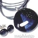 A fekete 3 árnyalata SZÍNTRIÓ üvegékszer szett, nyaklánc, pötty fülbevaló , Ékszer, Ruha, divat, cipő, Fülbevaló, Medál, Ékszerkészítés, Üvegművészet, Csillogó fekete aventurin, csillogó grafit szürke és fekete minőségi, ékszerüvegből készült a medál..., Meska