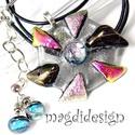 Csillogó százszorszép üvegékszer szett nyaklánc, pötty fülbevaló, Ékszer, Medál, Fülbevaló, Ballagás, Ékszerkészítés, Üvegművészet,  Csillogó ezüst, rózsaszín, pink, bíbor dichroic üveg és csillogó, áttetsző szürke ékszerüveg felha..., Meska