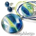 Csillámporos mélytenger 1 üvegékszer szett, nyaklánc, gyűrű, fülbevaló , Ékszer, Gyűrű, Medál, Ballagás, Ékszerkészítés, Üvegművészet, Kék-zöld-bege mintás csillogó ékszerüveg felhasználásával készült a medál, a gyűrű és a stiftes fül..., Meska