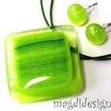 Akciós!!  Napfényes zöld erdő üvegékszer szett, nyaklánc, fülbevaló, Ékszer, Medál, Fülbevaló, Ékszerkészítés, Üvegművészet, Áttetsző mintás zöld és csillogó mintás zöld ékszerüveg felhasználásával készült a medál és a fülbe..., Meska