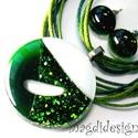Csillogó zöld SZÍNTRIÓ üvegékszer szett, nyaklánc, pötty  fülbevaló , Ékszer, Ruha, divat, cipő, Fülbevaló, Medál, Ékszerkészítés, Üvegművészet, Csillogó zöld aventurin, áttetsző zöld és csillogó fehér, minőségi, ékszerüvegből készült a medál, ..., Meska
