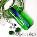 Szikrázó, áttetsző zöld üvegékszer szett, nyaklánc, pötty fülbevaló, Ékszer, Ruha, divat, cipő, Medál, Fülbevaló, Színjátszó, kék, zöld, türkiz mintás dichroic és áttetsző zöld ékszerüveg felhasználá..., Meska