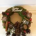 Karácsonyi kopogtató, Dekoráció, Karácsonyi, adventi apróságok, Ünnepi dekoráció, Karácsonyi dekoráció, Mindenmás, Virágkötés, A kopogtató különlegessége, hogy moha alapra készült, így kint a hidegben sokáig szép marad, jól bí..., Meska