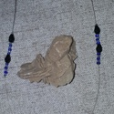 Nyaklánc, Ékszer, óra, Képzőművészet, Ékszerszett, Ékszertartó, Egyedi tervezésű, saját készítésű, damilra fűzött kék nyaklánc. Hossza  42 cm., Meska