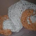 Óriáskötés takaró 80cm x 125 cm, Otthon, lakberendezés, Lakástextil, Takaró, ágytakaró, Kötés, Varrás, Narancs-fehér, pihe-puha takaró, akár tv nézéshez, akár a hűvösebb piknikelős estékre. Anyaga 100% ..., Meska