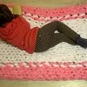 Óriáskötés takaró, ágytakaró, 100cm x 150 cm, szőnyeg, Otthon, lakberendezés, Lakástextil, Takaró, ágytakaró, Kötés, rózsaszín-fehér, pihe-puha takaró, akár tv nézéshez, akár a hűvösebb piknikelős estékre. Anyaga 100..., Meska