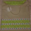 Bevásárló szatyor - fehér horgolt csipkével - Anyáknapjára, Táska, Szatyor, Egyedi, erős, bélelt bevásárló szatyor.  Újrahasznosított vászonból készült, bélése zöld, masnimintá..., Meska