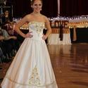 Arany-ezüst menyasszonyi ruha, Esküvő, Magyar motívumokkal, Ruha, divat, cipő, Menyasszonyi ruha, Varrás, Különleges egyedi mintával zsinórozott kétrészes ruha. A felsőrész mellkosárral, merevítővel készül..., Meska